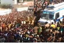 Devotees of Lord Kallazhagar Move Procession to Let Ambulance Pass in Tamil Nadu