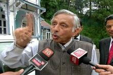 Irate Over 'Neech' Jibe Question, Mani Shankar Aiyar Abuses News18 Reporter, Other Journalists