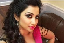 Singer Shreya Ghoshal Barred from Carrying Musical Instrument on Flight