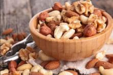 Eating walnuts Daily Lowers Heart Disease Risk