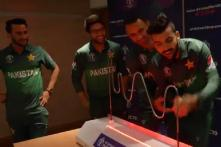 ICC Cricket World Cup 2019 | Pakistan Players Take On The Buzzwire Challenge
