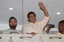 'Bharat' Star Salman Khan Greets Fans on Eid 2019; See Pictures