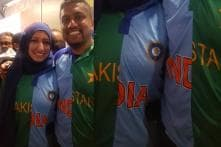 This Couple's Combined India-Pakistan Jersey at World Cup is Why We Love Cricket