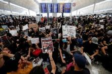 Hong Kong Cancels All Flights After Over 5,000 Protesters Throng Airport, Flyers Asked to Leave
