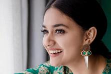 Mahanati  Actress Keerthy Suresh Dedicates National Award to Her Family