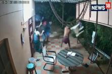 Senior Couple in Tamil Nadu Uses Slippers, Plastic Chairs to Repel Machete-Wielding Burglars