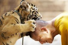 Incredible Friendship Between Humans & Animals; See Photos