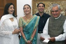 PHOTOS: Atal Bihari Vajpayee With World Famous Personalities