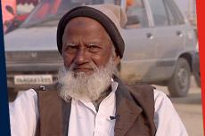 Kumbh Chronicles | Meet 'Mullah Ji' Who Lights Up The Mela For Sadhus