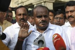 'BJP Plans to Use Military Planes to Poach Congress-JDS MLAs': HDK's Bombshell and a Threat to BSY