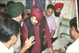 Keep My Wife and Politics Out of It, Says Navjot Singh Sidhu Amid Oppn Attack Over Train Tragedy