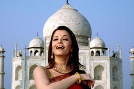 Famous Personalities Visit Taj Mahal - The Iconic Symbol of Love