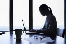 'Queen Bee Syndrome' Targets Women with Rude Remarks at Workplace