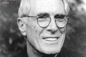 Pulitzer Prize winner Mark Strand dies at 80
