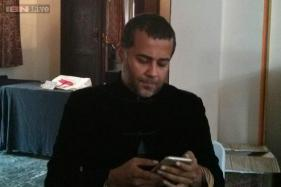 Jaipur Literature Festival 2015: Chetan Bhagat says Anna Hazare's 'class' has 'placed'; feels that joining politics will make him lose his independence