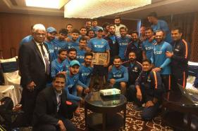 MS Dhoni Felicitated by Virat Kohli And Co in Bengaluru