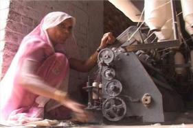 Government Plans 'Super Premium' Khadi to Tap Luxury Customer Base