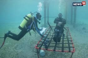 Man Spends 24 Hours Living Under The Sea