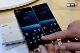 ZTE Axon M First Look at MWC 2018 [Video]: Not Quite Practical