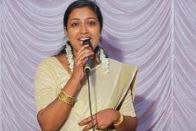 Watch Out Shreya Ghoshal, This Kerala Teacher May Steal Your Job With Her Melodious Voice