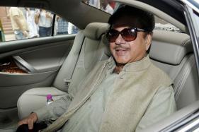 BJP MP Shatrughan Sinha Backs Kejriwal, Calls Centre's Response 'Autocratic'