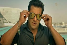 Salman Khan Chills 'Alone' in Mall, Apparently Nobody Recognizes Him; See Well-timed Video