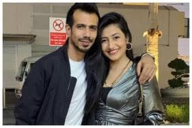 WATCH: Yuzvendra Chahal's Wife Dhanashree Verma Shakes a Leg in RCB Jersey