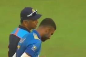 India vs Sri Lanka 2021: Rahul Dravid Takes Dasun Shanaka Under his Wings During Rain Break