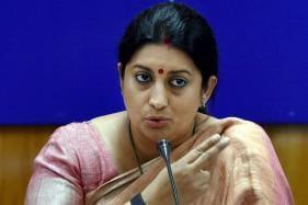 Rahul Gandhi is a 'Congenital Liar': Smriti Irani Slams Cong Chief Over 'Politicising' Meeting With Parrikar