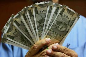 HSBC Report Reveals Only 33% Indians Save Regularly for Retirement