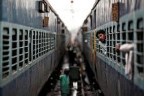 Railways Will Run 4 Special 'Pravasi Bharti' Trains to Ferry Delegates from Kumbh Mela to Delhi for Republic Day Event