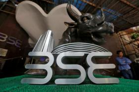 Sensex Falls Over 100 Points on Foreign Fund Outflow, Rising Oil Prices