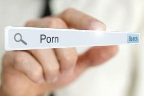 China Shuts Down 4000 Websites for Pornographic Content as Part of 'Clean-up' Campaign