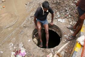 As Govt Data Pegs Manual Scavenging Deaths at 123 in India, NGO Says Over 400 Killed in Delhi Alone