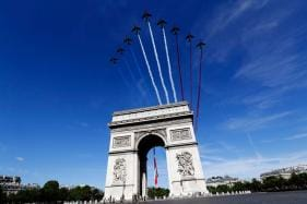 Now You Can Fly Over Paris With A VR Jet Pack