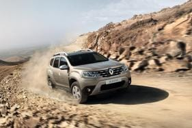 Renault Duster and Toyota Corolla Altis Available on Heavy Discount, Benefits Upto Rs 1 Lakh