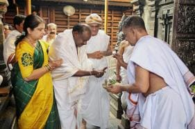 Two Days Before Bypoll in Karnataka, BJP Candidate Decides to Campaign for Kumaraswamy's Wife