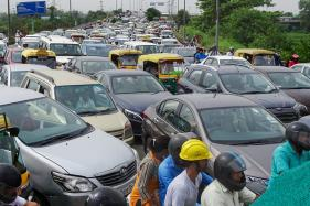 900 Driving Licences to be Suspended for Jumping Red Lights in Noida