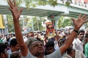 'Kalaignar is a Medical Marvel': Hopeful DMK Supporters Camp Outside Karunanidhi's Hospital