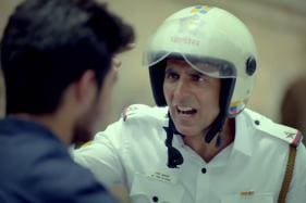 Bollywood Actor Akshay Kumar Spreads Road Safety Awareness On Independence Day 2018 - Watch Video