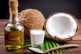 Harvard Professor Calls Coconut Oil 'Pure Poison', Indians Beg to Differ
