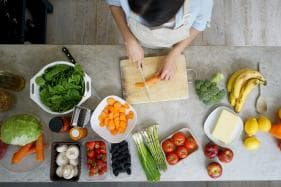 Following a Healthy Diet Could Promote Healthy Cellular Aging in Women