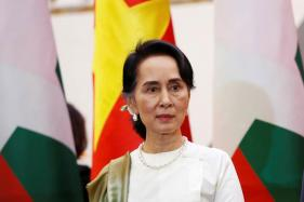 Myanmar's Civilian, Military Leaders Meet, Vow to 'Crush' Rakhine Rebels