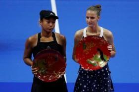 Karolina Pliskova Pummels Tearful Naomi Osaka to Win Tokyo Crown