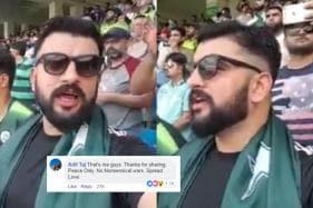 Video of Pakistani Man Singing Jana Gana Mana at India-Pak Match is Winning Hearts Everywhere