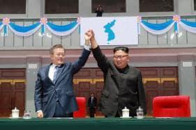 Kim Jong Un, Moon Jae-in Take Historic Trip for Mountain Show of Unity