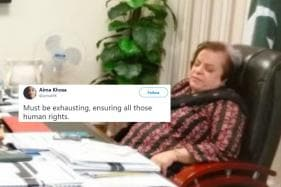 Twitter Shows No Mercy After Pakistan's Human Rights Minister Caught 'Napping' at Work