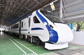 Train 18, India's First Engine-less Train, to Go on Trial Run in UP Today; Will Head to Rajasthan Next