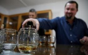 Sick Child, Labour Pain, Trouble With Memory: When Booze Became Doctors' Most Trusted Medicine