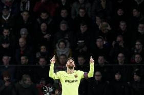Lionel Messi Guides Barcelona to Top of Champions League Group
